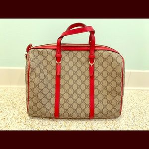 Gucci purse with duffle  bag. Never used